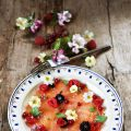 Carpaccio de saumon fumé et fruits rouges[...]
